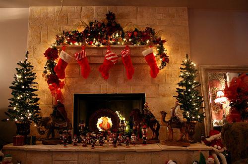 christmas-christmas-lights-christmas-tree-lights-winter-Favim.com-89478